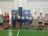 Zdjęcie z uczestnikami Turnieju Tenisa Stołowego