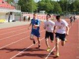 zdjęcie przedstawia biegaczy